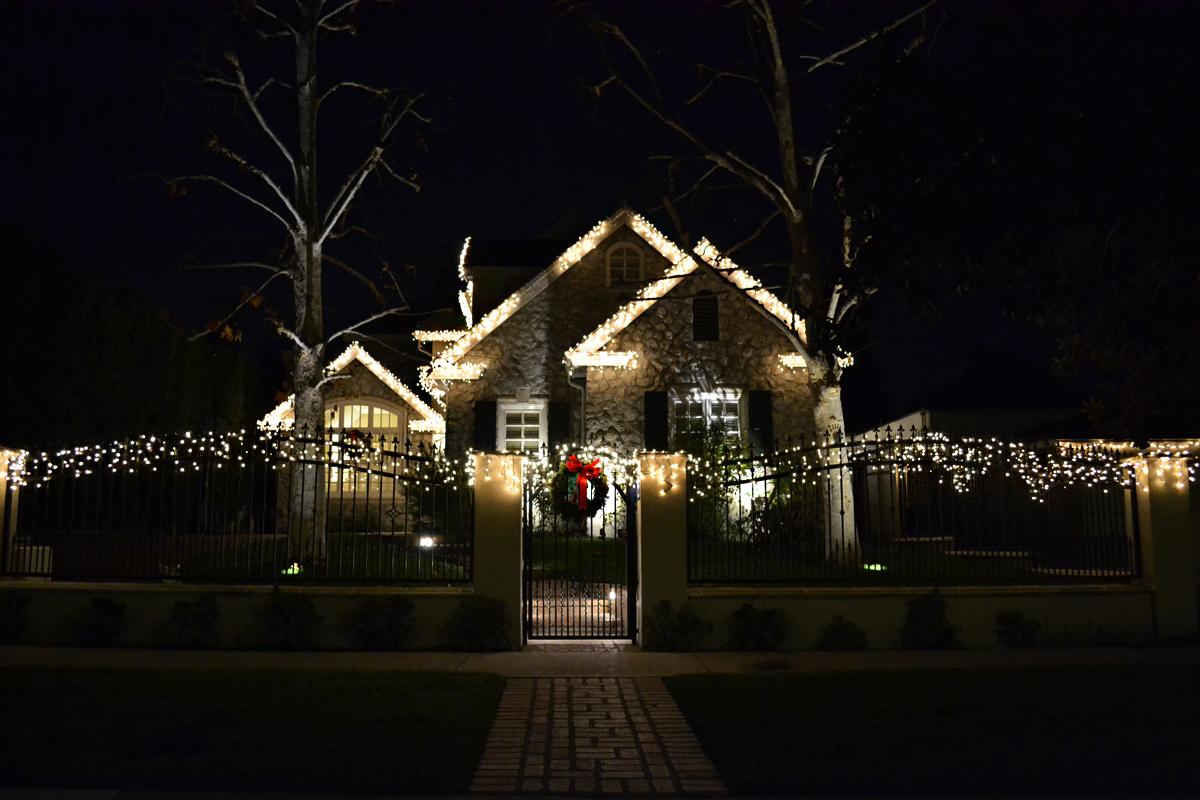 Christmas Lights on Houses in Toluca Lake